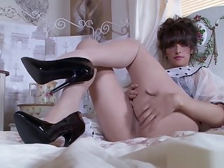 Brunette's Adore For Pantyhose