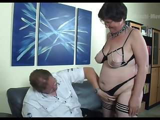 Nerdy amateur mature whore flashes big irritant before wild missionary
