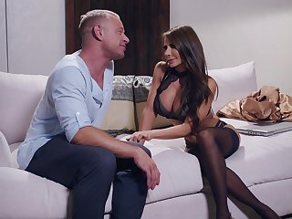 Lucky guy bangs his wife Madison Ivy and charming Gianna Dior