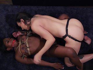 Lezdom boss anal fucks ebony employee