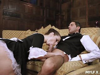 Stale damsel Paige Turnah gives a blowjob up horny butler