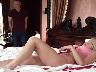 Busty cougar is just uniting damn sexy for an sky pilot and needs a young man's cock